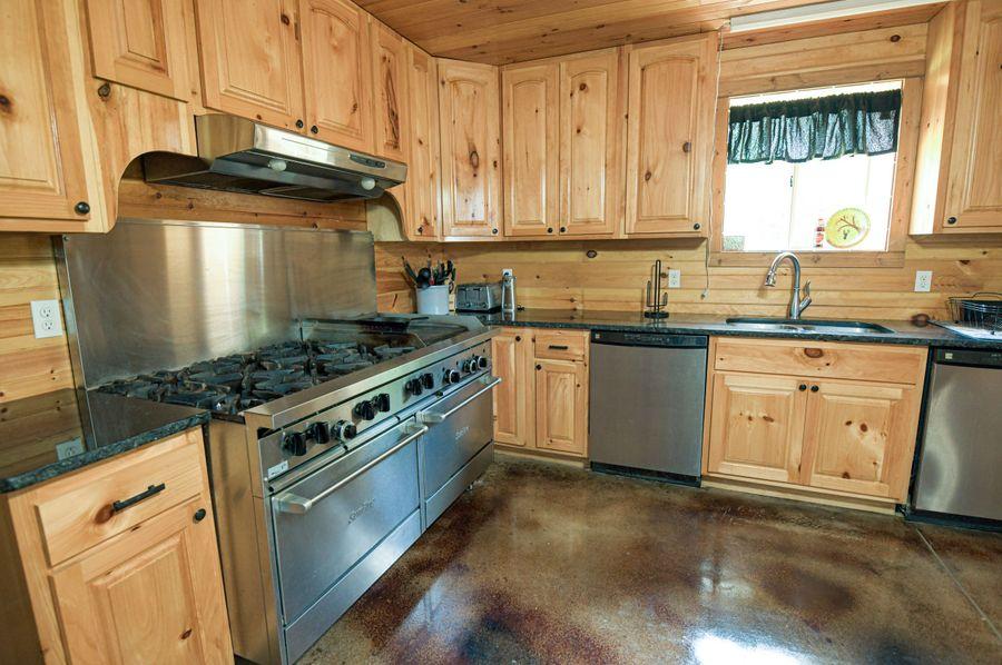 15 lodge kitchen