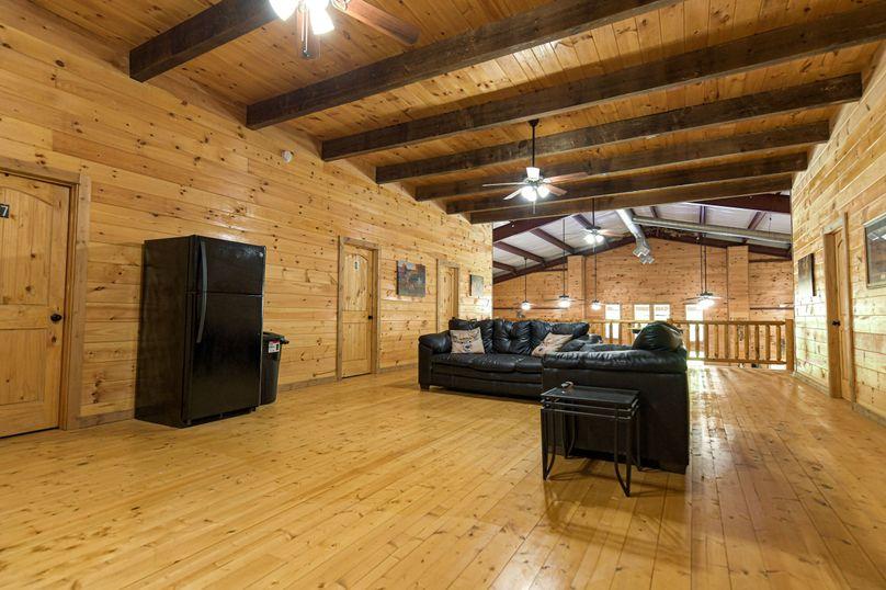 18 lodge lounge area