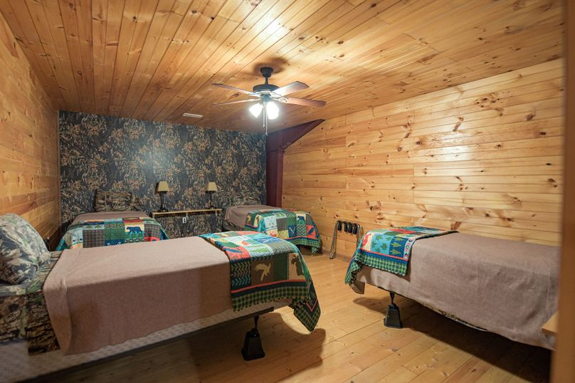 23 lodge room