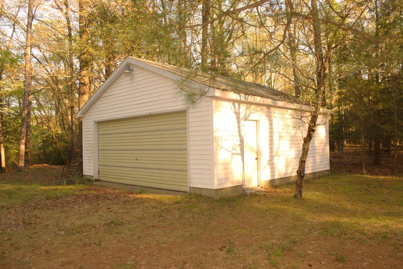 63.44acres carolinecty garage