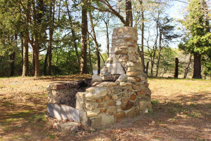 63.44acres carolinecty stonefireplace