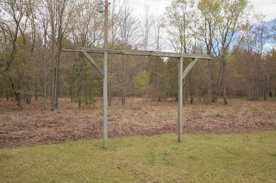 12 buck pole