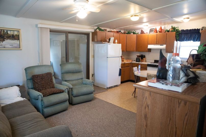4 kitchen   dining area