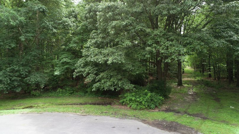 38.70ac queenanne culdesacfront