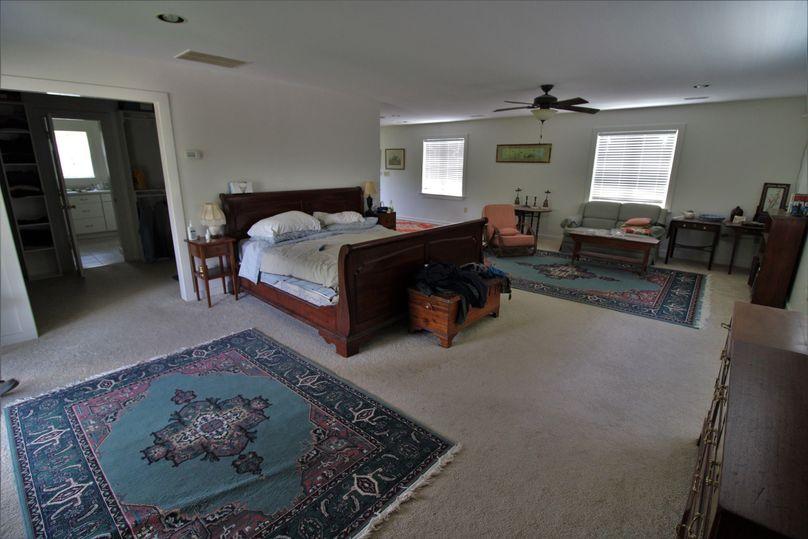 045 master bedroom