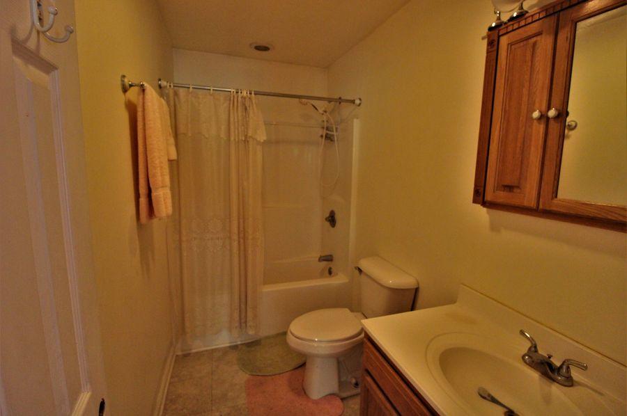 048 bathroom 1