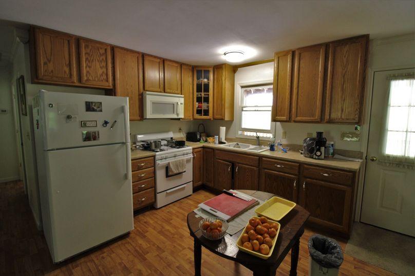 049 kitchen area