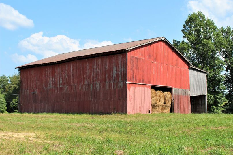 004 the 50x60 barn perfect for hay storage