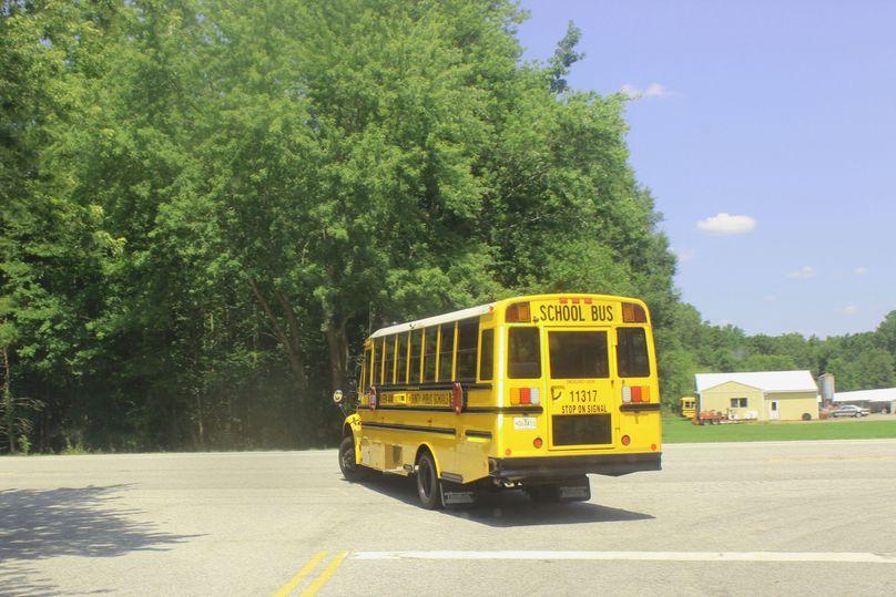 5.02ac queenanne schoolbus 2753