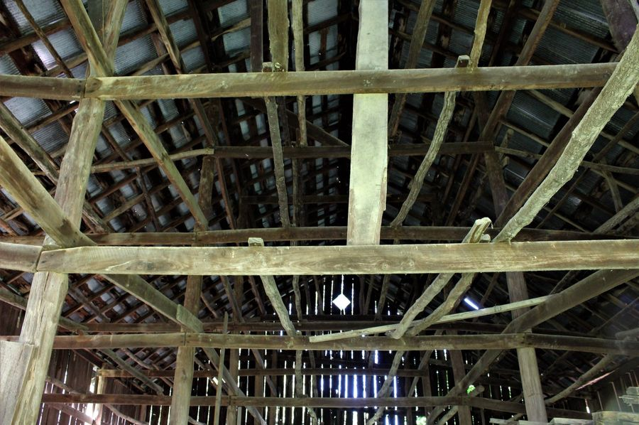 011 interior of the old tobacco barn