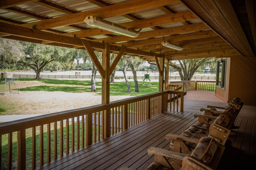 24 ranch 3 lodge 3 front porch