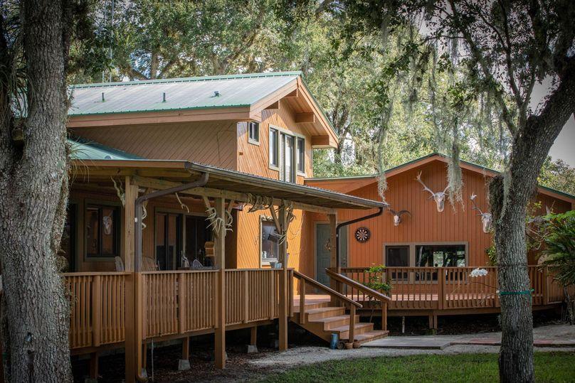25 ranch 3 lodge back 1