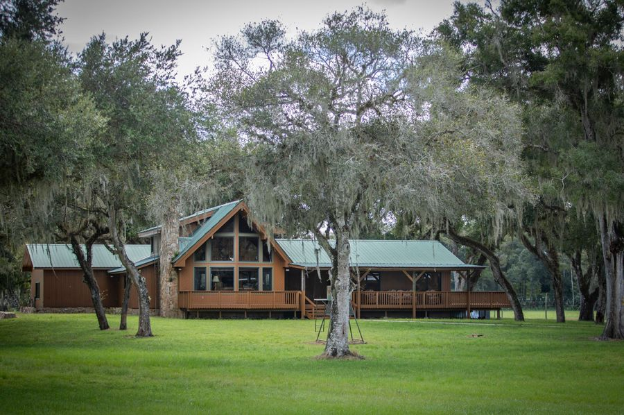 21 ranch 3 lodge 1 front