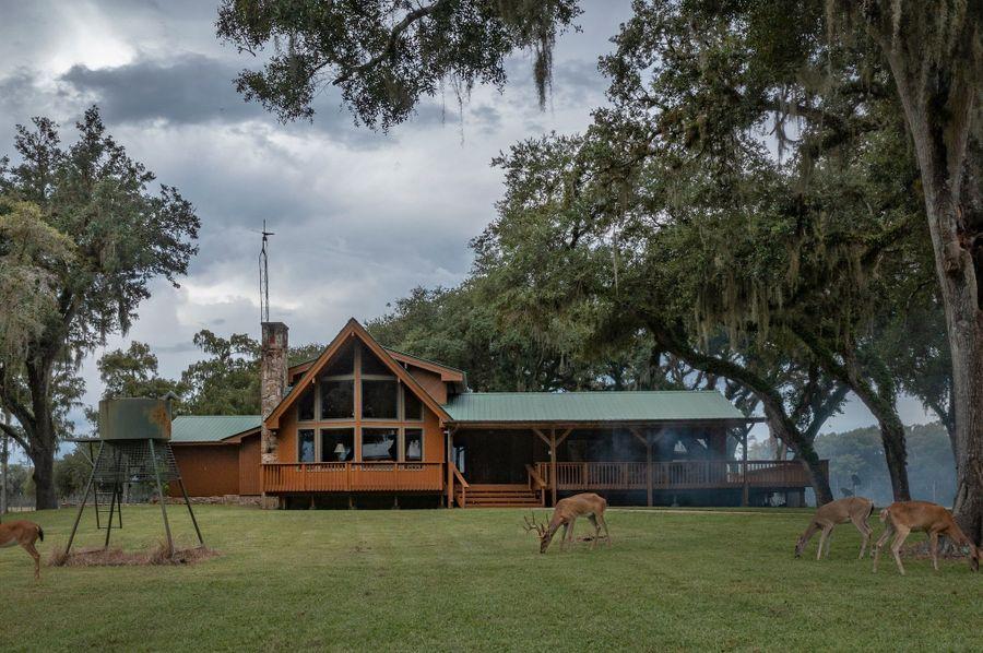 22 ranch 3 lodge 2 deer