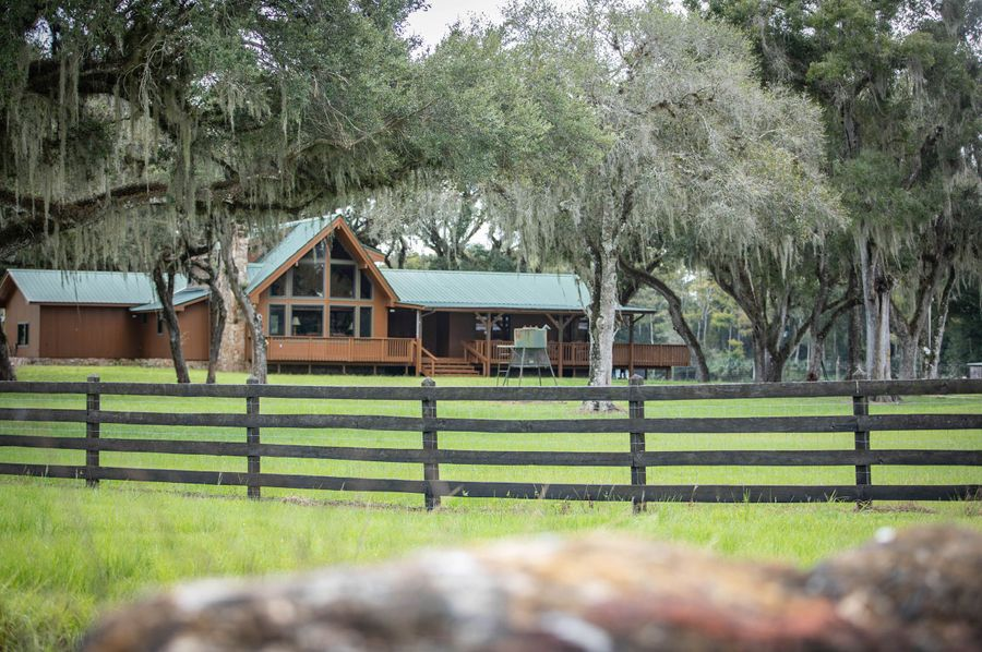32 ranch 3 lodge outside