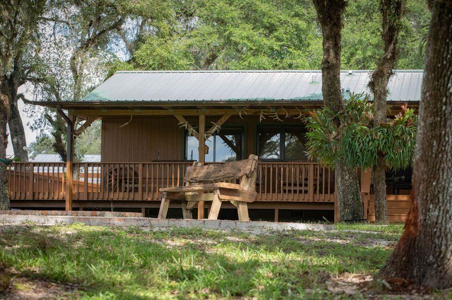 33 ranch 3 lodge porch