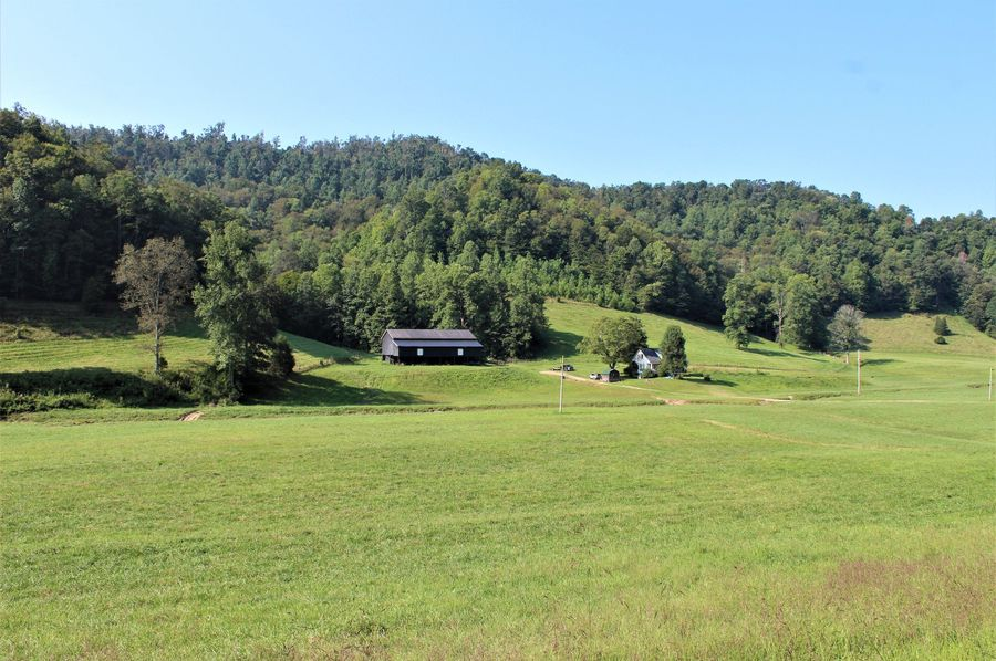 012 view of the home and barn from the blacktop road