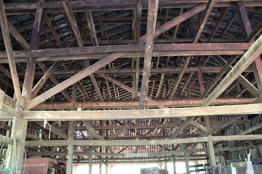 028 the upper loft area of the barn where tobacco use to hang