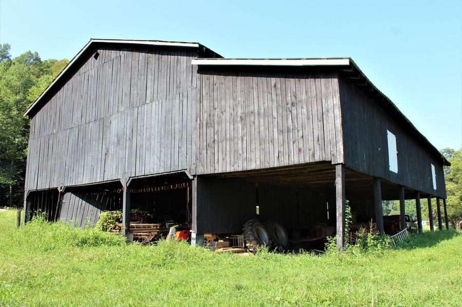 031 the east facing side of the big barn